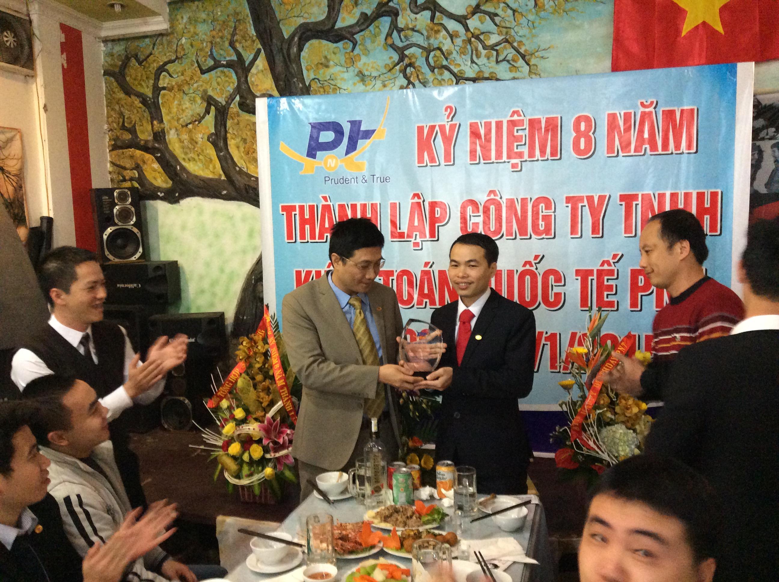 Kỷ niệm 8 năm thành lập PNT